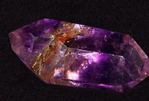 Minerały / Opis minerałów i miejsc, gdzie można je znaleźć.