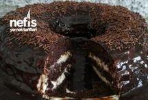 Kek kalıbında yaş pasta