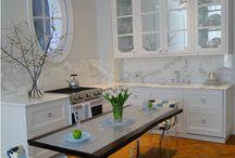 A Tiny Kitchen / Tiny kitchen ideas