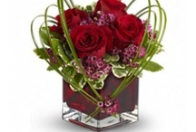 Anniversary Flowers / Anniversary Flowers can be availed at the best prices only from us