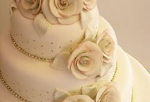 cakes / by Jenna Gilberti