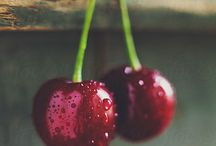 Food photo - sweet cherries