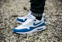 "Nike Air Max 1 Ultra Essentials ""Varsity Blue"" (819476-102)"