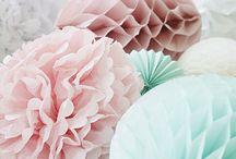 Rosée de printemps / Avec le retour des beaux jours et du #printemps, le retour des #Birkenstock : découvrez un univers fleuri, frais, où le bien-être prime.