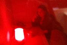 """The Red Room / Chez Altays, si l'on souhaite être tranquille pour passer un coup de fil on peut se réfugier dans """"la Red Room""""."""