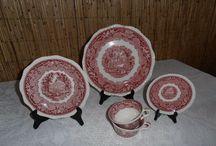 Rózsaszín angol porcelánok
