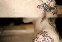 Tattoo Frauen Schulterblatt