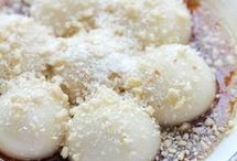 Glutinous Rice balls with sesame seesd and peanuts ab nd coconut