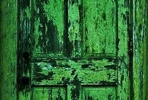 Green Interiors/Decor / by winifred Andre