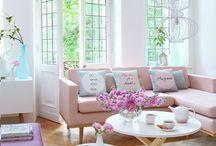0 E 003 03 Wohnz. Sofa's rosa Einrichtung