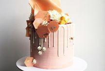 Drippy chocolate cakes