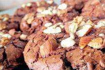 Blog: Süße Sünden / Manchmal muss es eben Sahne, Zucker und Schokolade sein! Zuckersüße Naschereien in Form von Kuchen, Torten, Cookies, Muffins und vielem mehr.