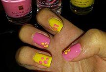 Manicure con i smalti Fm