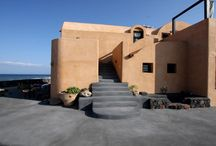 Villa Ramni #Santorini #Greece #Island / Villa Ramni in the island of Santorini is a rare treasure, with private beach access, located just minutes from the village of Oia. Villa Ramni has what houses on the caldera in Santorini don't have: private access to a quiet beach, just steps from your door, a multitude of luxurious outdoor terraces to enjoy the amazing Aegean Sea view and on-site parking. http://www.mygreek-villa.com/fr/rent-villa-search-2/villa-ramni