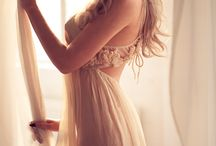 Boudoir / A collection of beautiful and sensual boudoir inspiration for an upcoming photoshoot.  Some examples of past work... Sarah Lee - http://pettigrewphotography.com.au/2015/03/sarah-lee-boudoir/