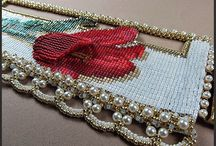 Lazy red tulip bead loom pattern