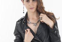 Thème Couture 2014 / Les bijoux Couture de Carasaga sont commercialisés uniquement en ventes en réunion. Inspirés des grandes maisons de couture, Carasaga présente des bijoux très caractéristiques des bijoux de créateurs.
