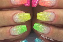 Glitter Nails / Shiny & Sparkly.  #Bnails #bnailshereford #bnailsdasalon #creative #design #fashion #nails #nailsaloninhereford #beautysalon #salonspa #nailsalonincanyon #nailsaloninamarillo #bestsalonhereford #bestsaloncanyon #bestsalonamarillo #votedbestsalonhereford2015  Visit our website www.bnailssalon.com