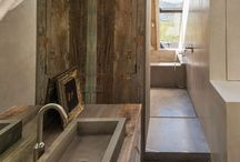 Wooden chalet bathrooms / http://trendyhomesk.blogspot.sk/2015/03/chalet-po-slovensky-chalupy.html?m=1