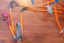 hotwheels cars and tracks
