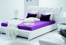 Sypialnia w kolorze fioletu...