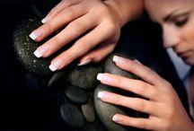 Nails & More / Schöne Nägel sind die Visitenkarte des Menschen. Professionelle Nagelmodellage für die modebewusste Frau mit Stil.