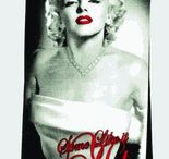 Marilyn Monroe Gifts under 20 Dollars / Though Marilyn Monroe was not known for having cheap taste in anything - diamonds, cars or clothes. But you can fins Marilyn Monroe gifts that won't cost you a fortune. If you want to buy someone you know an affordable Marilyn Monroe gift – these gifts that are all under 20 dollars! Our selection of Marilyn Monroe products under $20 is so vast that you can find something for anyone – regardless of age, gender and background.