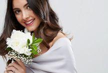 Brautfrisur: Blumen und Haarschmuck im Boho Stil