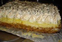 prăjitură cu mere ,bezea si crema de vanilie
