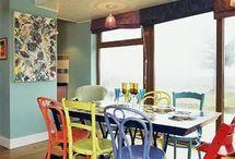 Un comedor con sillas diferentes - Different chairs for a living room / Muebles exclusivos para el hogar