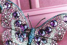 Бабочки / Украшения и вышивка с изображением бабочек и прочих насекомых