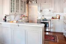 kitchen design / Colour palettes for kitchens. Favourite cabinets, stones, and backsplashes.
