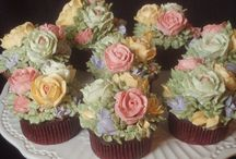 Cupcakes / by Roni Workman