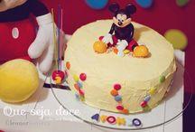 Festa do Mickey Mouse / Nesta festinha o principal convidado foi o Mickey :)  Realizámos em Dezembro do ano passado, mas decidi criar um album para dar-vos a conhecer mais pormenores esta festinha. E posso dizer-vos que o Afonso adorou comemorar os seus 3 anos com este ratinho querido.