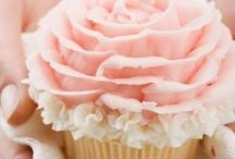 Cupcakes. / Pretty little things that taste even better