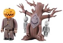TOYS : HALLOWEEN / Toys related to Halloween: Pumpkins, Frankenstein, Ghosts, etc.