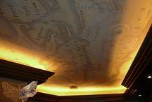 Роспись потолка / Роспись поверхности потолка различными рисунками и узорами — это давний способ декора. Сегодня он считается одним из наиболее эксклюзивных среди методов отделки.