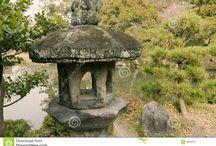 Stupy i latarnie japońskie