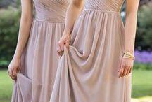 BRIDESMAID DRESSES / Bridesmaid Dress Inspiration