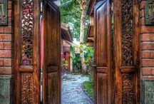 Balinese/Thai style
