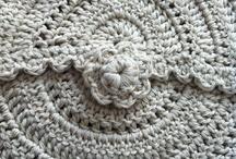 Crochet, knitting and Amigurumies / by Alexandra Mejía Vásquez