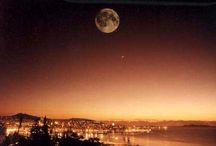 Un mar de noches | Nightlife / Salir por Vigo es una experiencia imprescindible: Vigo es la capital del ocio nocturno en Galicia y una de las ciudades más cosmopolitas del norte de España, con rutas de marcha para todos los gustos