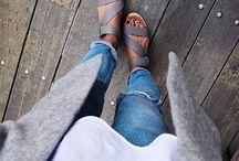 >> sandal>>