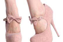 Shoes / by Najma Tatiana