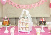 Fiestas de cumpleaños Princesas / Aquí presentamos una selección de artículos muy Top para montar una auténtica fiesta de princesas :D Princess Party