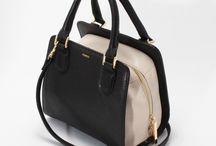 【CHARUER(シャルエ)】FB29220 / 【CHARUER(シャルエ)】 大人の女性にふさわしい落ち着いた配色が魅力のトートバッグ。コンパクトなサイズ感ながら、長財布が収まり、スマホなど必要最低限の物は入りますよ♪