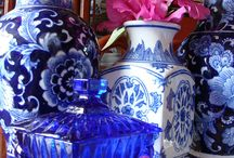 chinoiserie...especially blue & white! / by Becky Milward