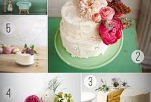 Awesome Wedding Cake with Flowers Motif
