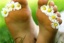 Voeten, ik wordt pedicure / Eigen praktijkje beginnen, voetenmassage, voeten lezen, voetverzorging / by Birgitta van Kins