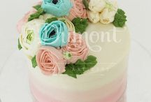 Buttercream flower cake / 3d floral buttercream cakes by Dumont Cake